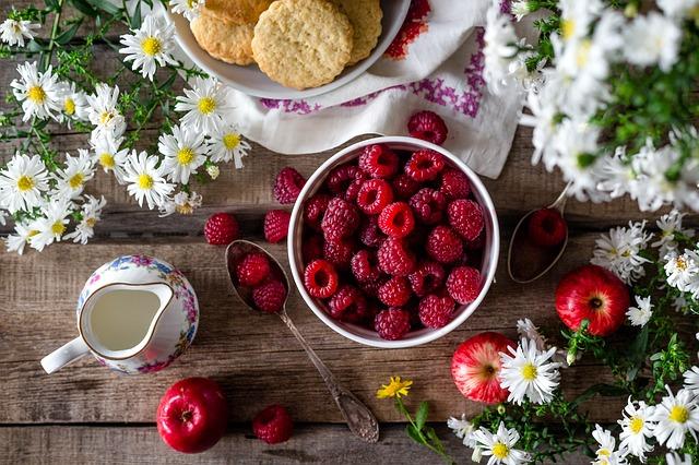 Manger sainement en été : les fruits et légumes à croquer